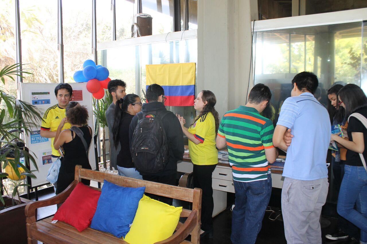 Embajada en Brasil promueve a Colombia como destino académico en Universidad de Brasilia